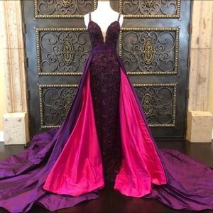 Jovani purple with pink underlay STUNNING!!